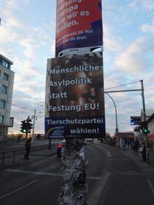 """plakat der tierschutzpartei """"mensch, umwelt, tierschutz"""""""